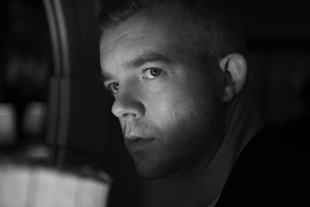 RUSSELL TOVEY00062 1024x683 - style, slider, face-time, entertainment, culture - Russell Tovey - Russell Tovey, editorial, Cover Story, Actor - Russell Tovey